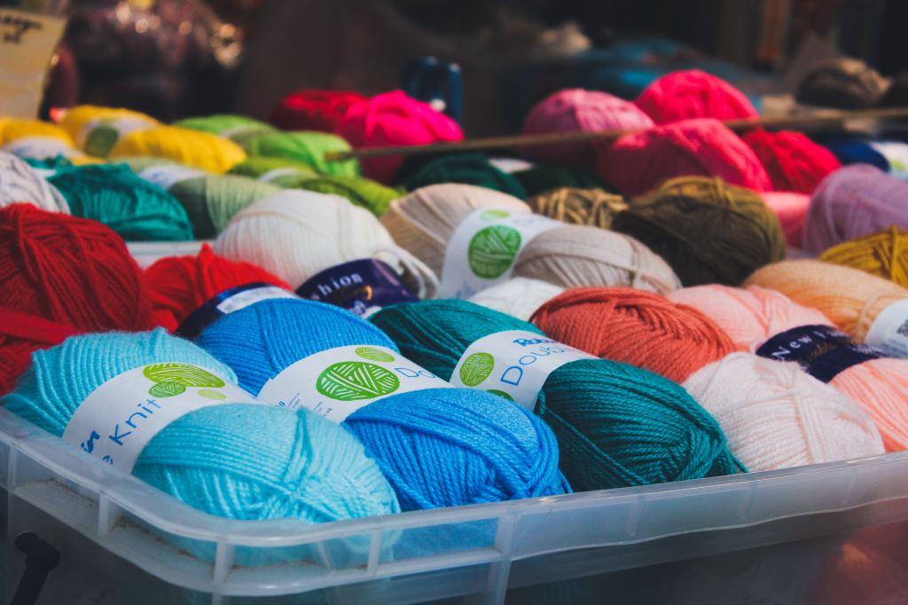 Underbed storage for yarn